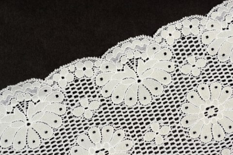 Stretch lace in creme colour