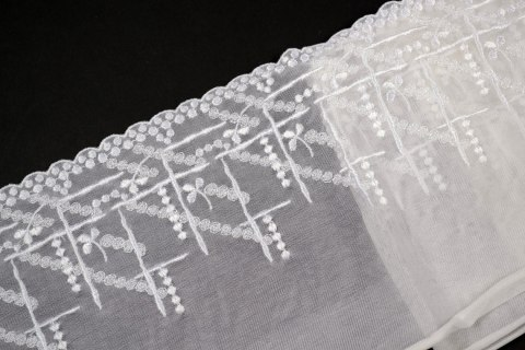 Stretch embroidery lace on tulle 1mb