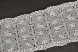 Elastic lace trim